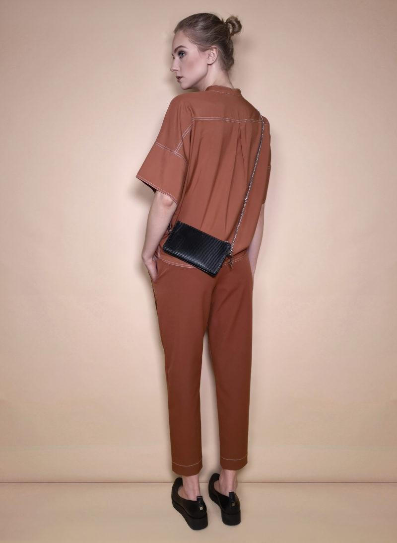 blouse-palaidinė-trousers-kelnės-belt-diržas-bag-rankinė