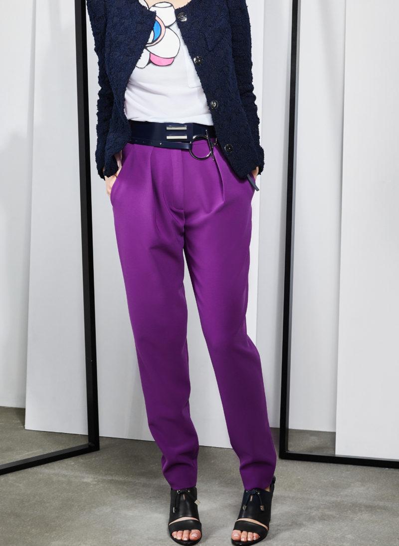 jacket-švarkas-blouse-palaidinė-trousers-kelnės-belt-diržas