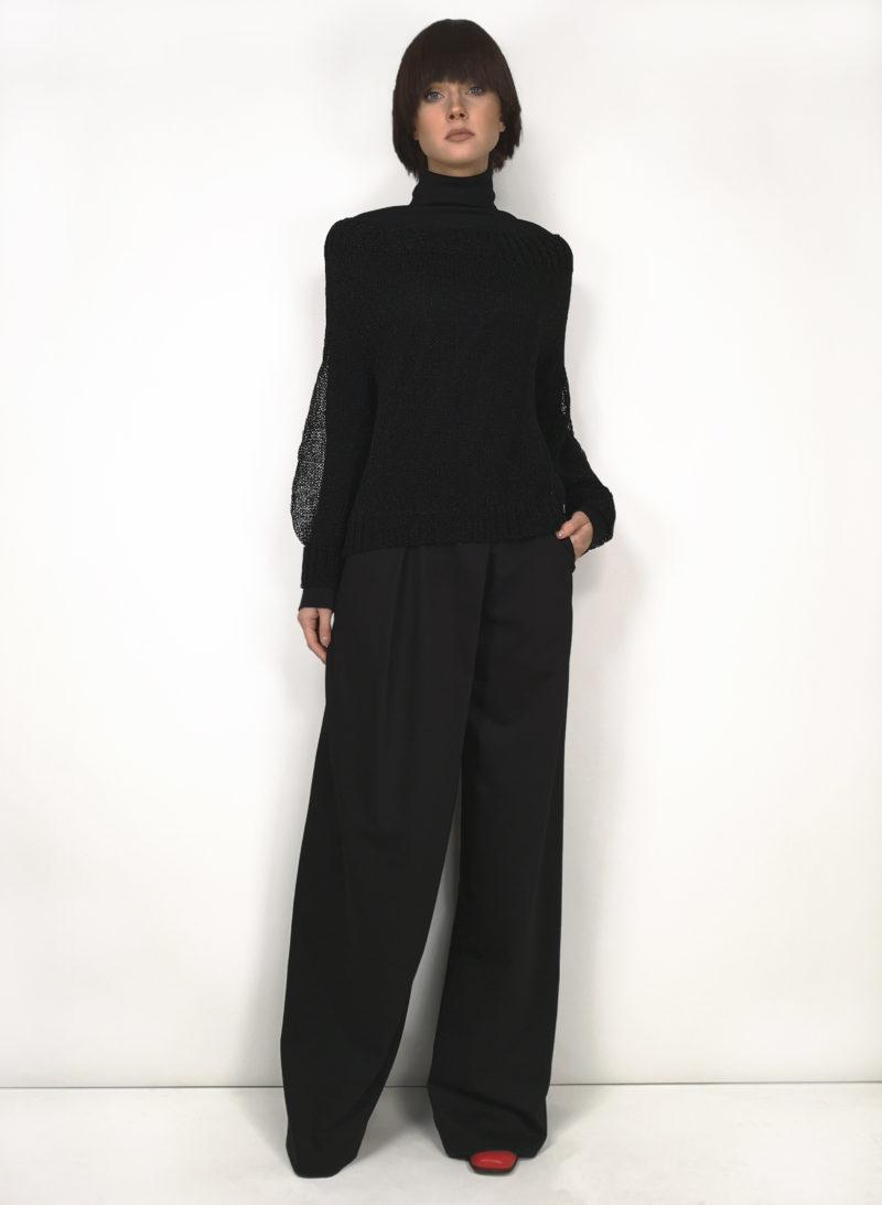 sweater-megztinis-trousers-kelnės